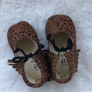 Gap baby shoes 3-6 months
